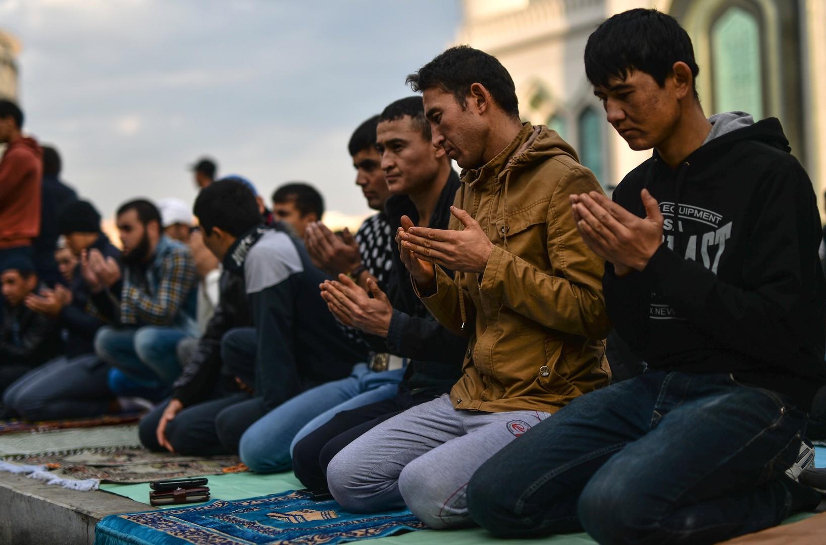 Presque 140 000 musulmans se sont rassemblés à Moscou pour célébrer l'Aïd al-Adha (PHOTOS)