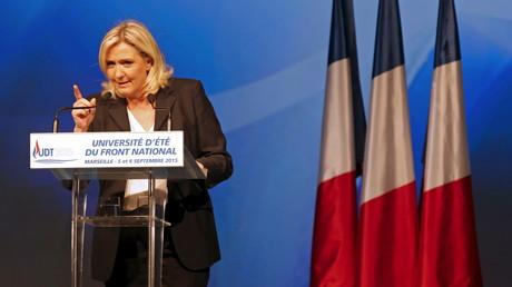 La mise en examen du Front national est un coup dur pour le parti de Marine Le Pen.