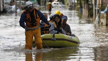 Sous les eaux, le Japon connaît ses inondations les plus graves en 50 ans (PHOTO, VIDEO)