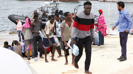 Migrants débarquent à Tripoli