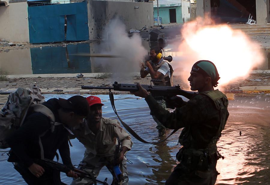 Des combattants anti-Kadhafi en 2011