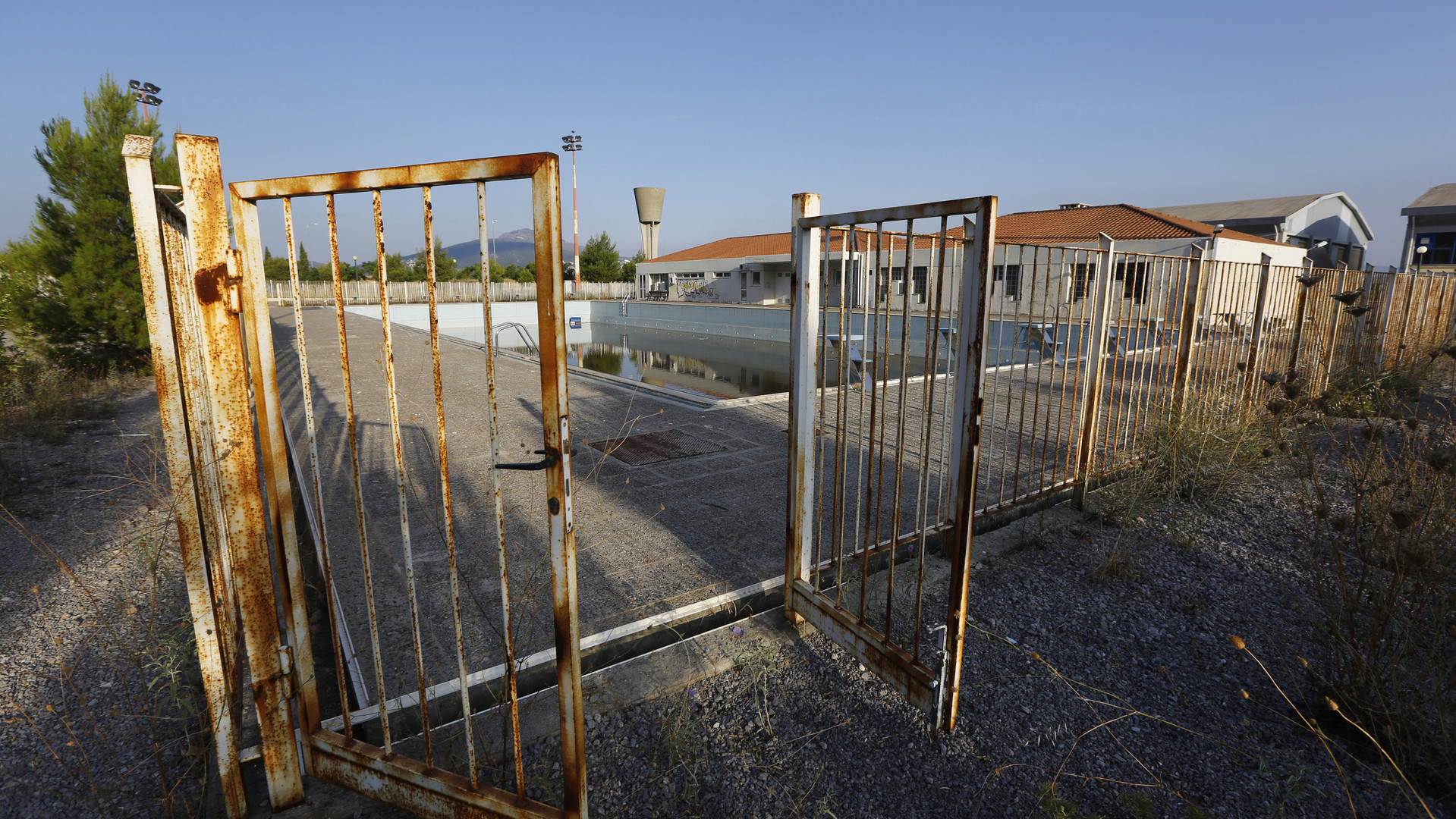 La Grèce trouve une utilité pour ses stades olympiques abandonnés – y mettre les migrants !