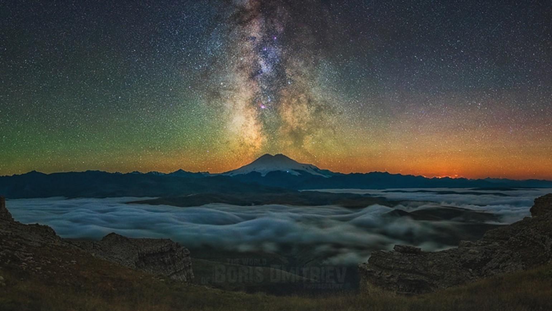Ses photos magnifiques révèlent la beauté du ciel nocturne dans les montagnes de Géorgie, de Crimée et dans les prairies russes.