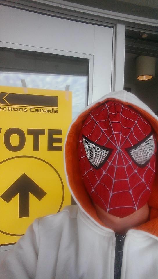 Les Canadiens se voilent la face aux élections législatives pour protester contre le port du niqab