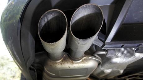 Scandale des émissions de gaz polluants : et si la voiture écolo n'était finalement qu'un mythe ?