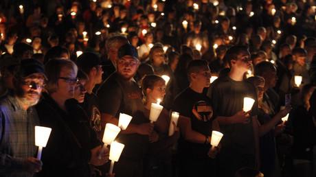 Encore une fois, l'émotion s'est emparée des Etats-Unis après la fusillade de jeudi. Pourtant, depuis des années, les Etats-Unis sont habitués à ces massacres dans les établissements scolaires. Et rien ne semble changer.