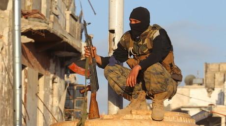 Washington esquive les questions sur l'échec du programme de formation des rebelles modérés syriens