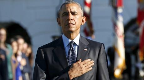 Barack Obama la main sur le coeur