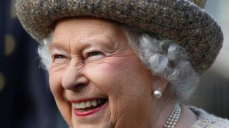Un Américain frustré implore la reine d'Angleterre d'annexer les USA… Et reçoit une réponse !