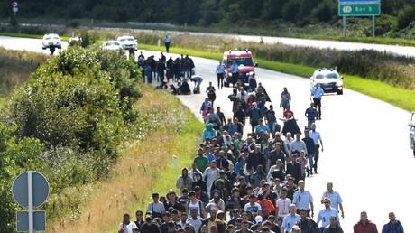 Un groupe de migrants tentant de rejoindre la Suède