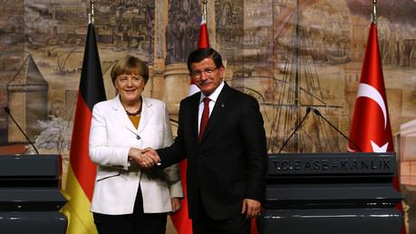 Angela Merkel et Ahmet Davutoglu