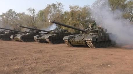 Les rebelles du Donbass et de Lougansk retirent leurs chars de la première ligne