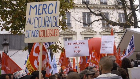 Manifestation des salariés d'Air France devant l'Assemblée Nationale jeudi 22 octobre