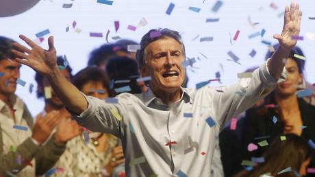 Tournant inattendu de la présidentielle argentine : le candidat d'opposition Mauricio Macri en tête