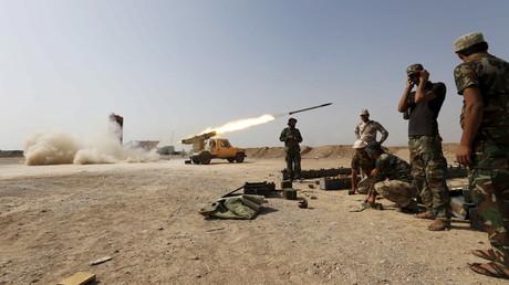 Les combattantq chiites lancent des missiles contre les positions de Daesh en Irak