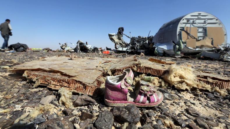 Une chaussure d'enfant retrouvée sur le site du crash