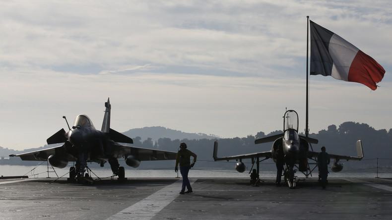 Avions de combat français sur le porte-avion Charles-de-Gaulle