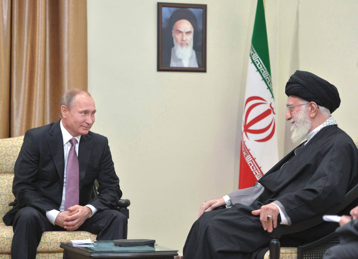 La rencontre enytre Vladimir Poutine et Ali Khamenei