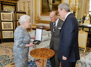 Les titres de Chevalier et de Dame de l'ordre d'Australie abolis par le nouveau Premier ministre
