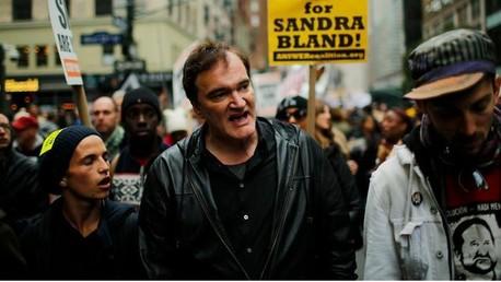 Quentin Tarantino participe à une marche contre les violences policières à New York, le 24 octobre