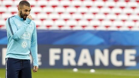 Tandis que son nom est cité dans l'affaire Air-Cocaïne, Karim Benzema a l'air de s'en gratter le nez...