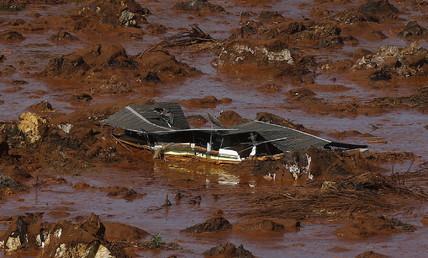 Les débris d'une maison dans la région de Bento Rodrigues