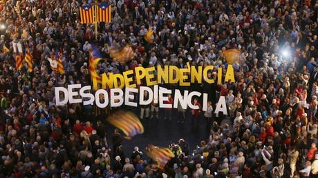 Le Parlement catalan démarre le processus vers l'indépendance, Rajoy annonce un recours