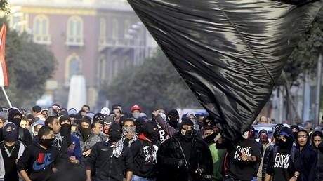 Des membres du Black-bloc lors d'une manifestation en 2013 en Egypte