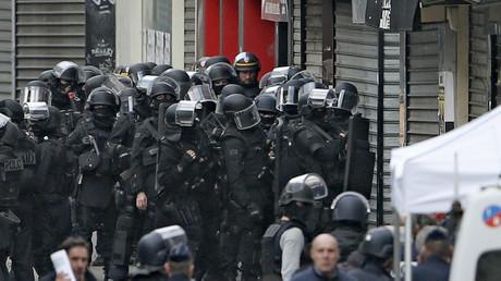 Le RAID se prépare à intervenir à Saint Denis