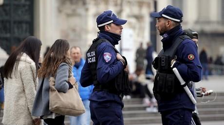 Policiers italiens