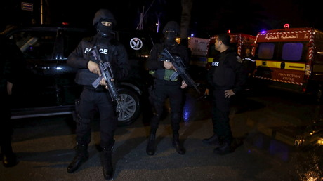 Des officiers de police tunisiens, le 24 novembre 2015