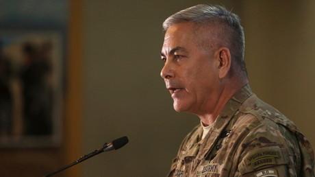 John Campbell, commandant en chef des forces américaines en Afghanistan, a eu la lourde tâche d'expliquer les raisons de la bévue.