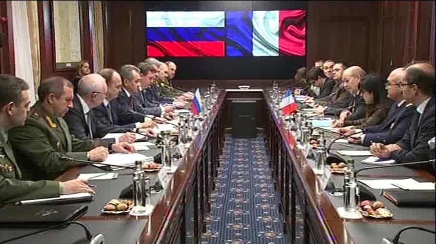 Visite de Le Drian à Moscou : le rapprochement Russie-France se poursuit sur le plan militaire