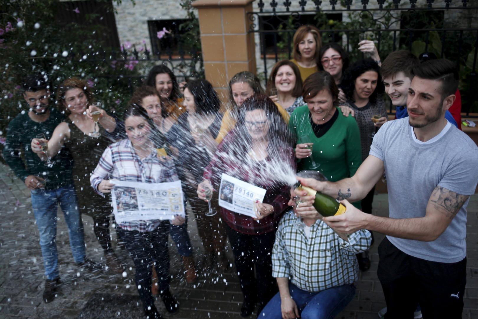 Espagne : 35 migrants africains gagnent une partie des deux milliards d'euros de la loterie el Gordo
