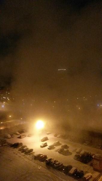 Une vague d'eau chaude déferle dans les rues des Saint-Pétersbourg en plein hiver