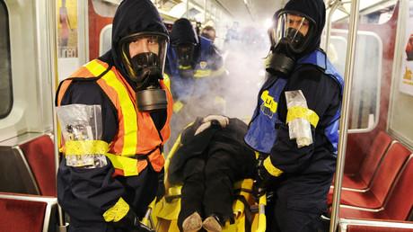 Des secouristes canadiens s'exercent à une attaque CBRN en 2011