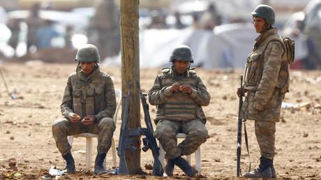 Des soldats turcs