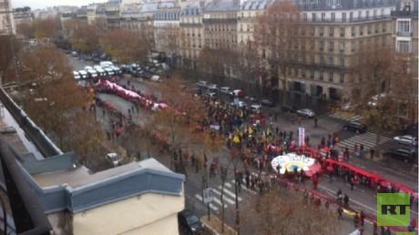 De grosses manifestations écologistes ont eu lieu à Paris en marge de la COP21