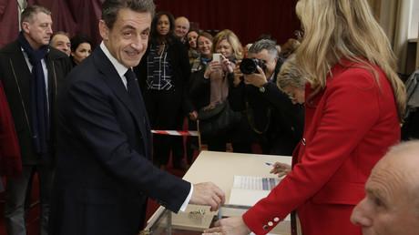 Nicolas Sarkozy vote aux élections régionales