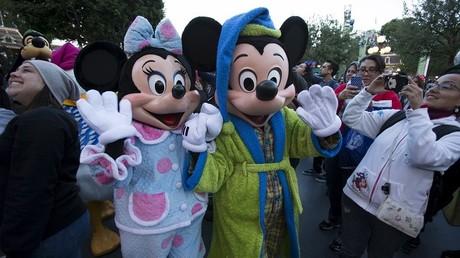 La famille britannique a été perçue comme une menace terroriste alors qu'elle voulait simplement visiter les personnages célèbres du parc Disneyland, en Californie.