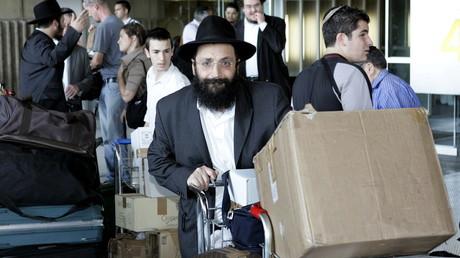 Des juifs français partent en Israël