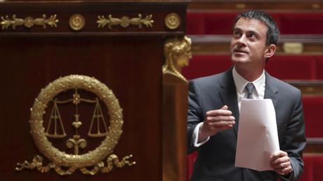 Manuel Valls, le Premier ministre français, arrive à l'Assemblée nationale