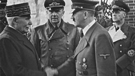 Rencontre entre le maréchal Philippe Pétain et le chef du Troisième Reich Adolf Hitler en octobre 1940 (Source : Wikipédia)