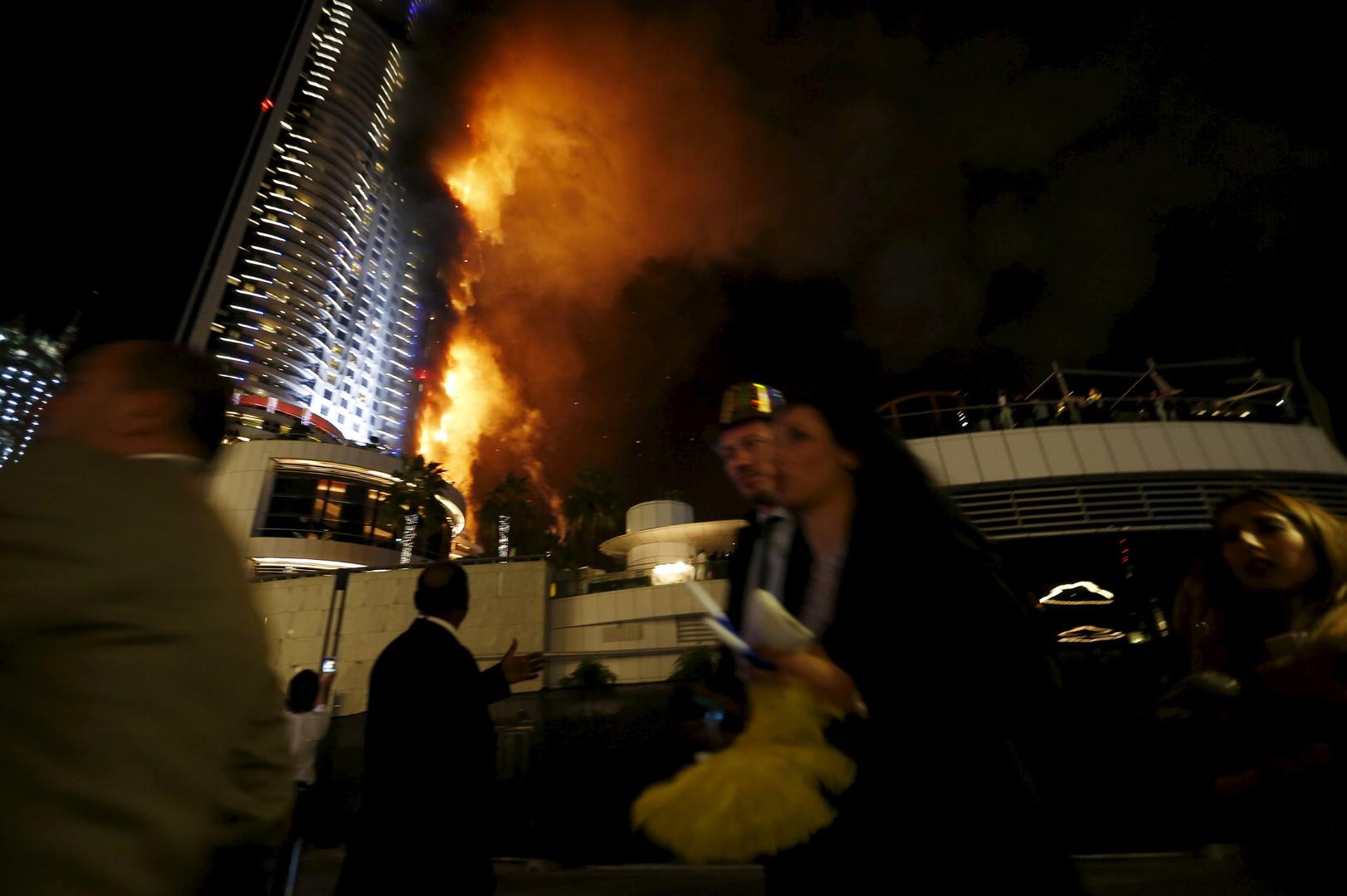 Découvrez les ravages de l'incendie qui a pris dans un hôtel de luxe de 63 étages à Dubaï (PHOTOS)