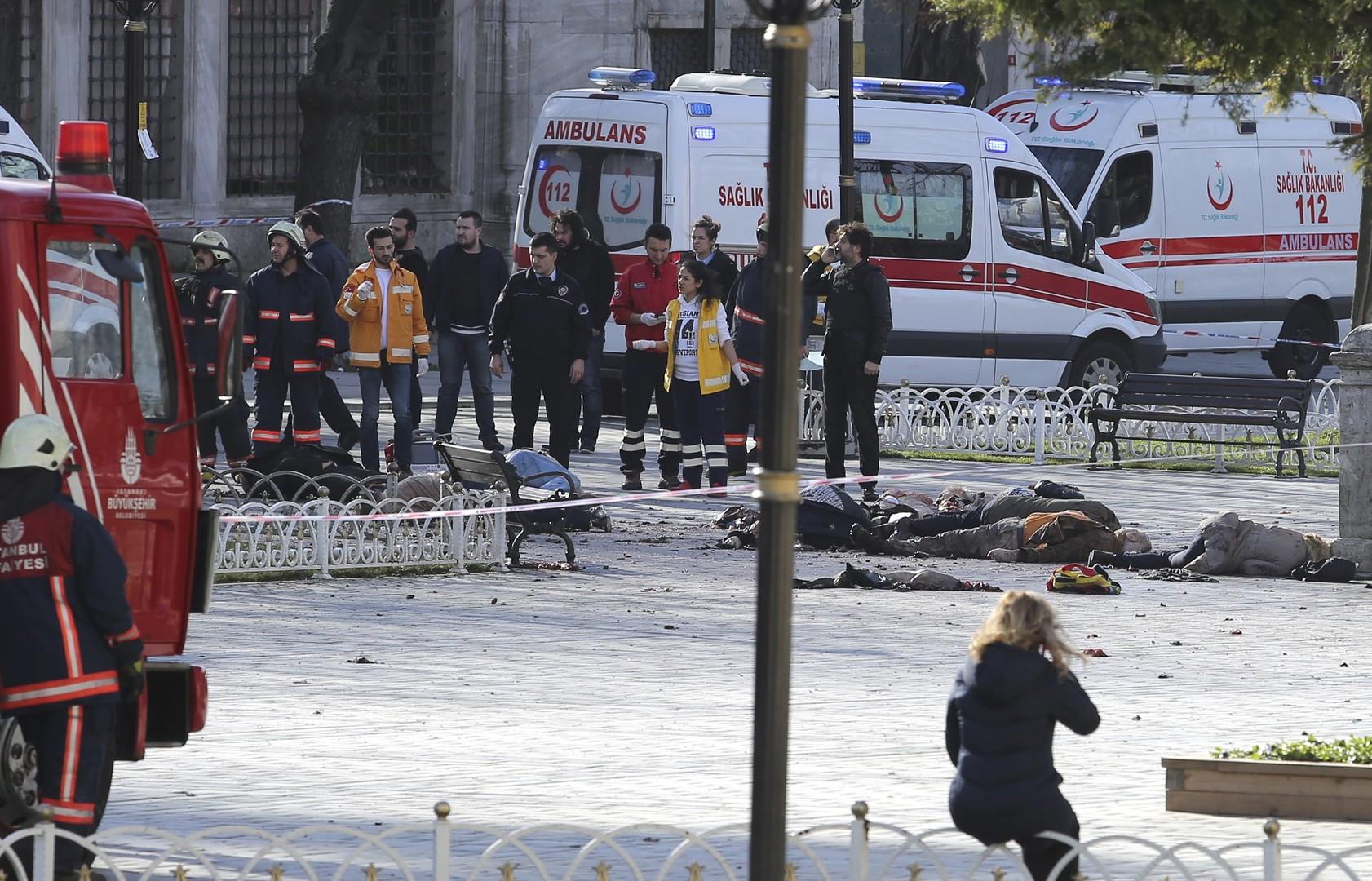 Dix touristes étrangers morts dans un attentat suicide qui a secoué Istanbul (VIDEO)