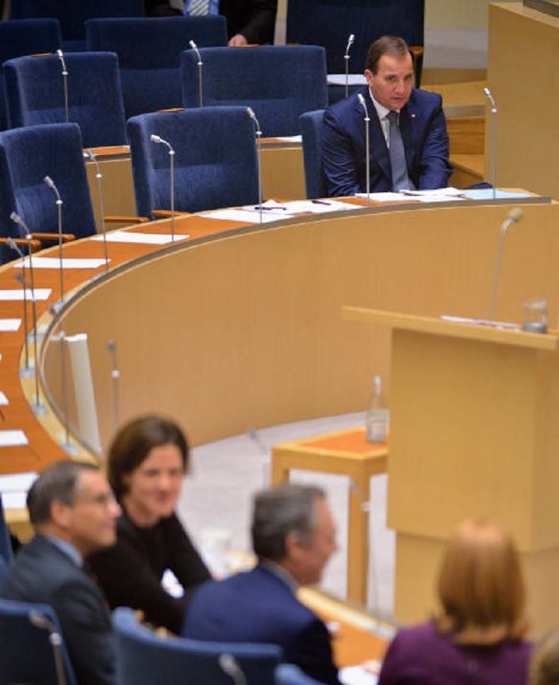 Le Premier ministre suédois moqué sur les réseaux sociaux pour une photo où il semble seul au monde