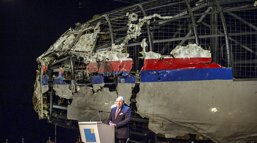Tjibbe Joustra, le président du Dutch Safety Board, présente les conclusions du rapport technique sur le crash du MH17 en Ukraine / 13 octobre 2015