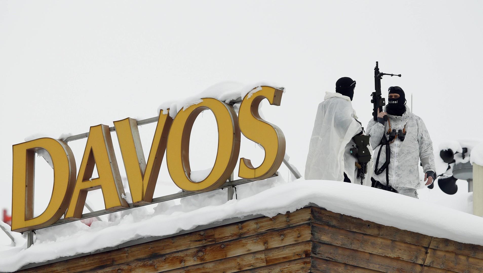 La police suisse protège l'hôtel qui accueille le Forum