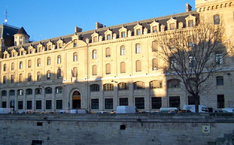 Hack e la pr fecture de paris poste un tweet accusateur - Prefecture de police porte de clignancourt ...