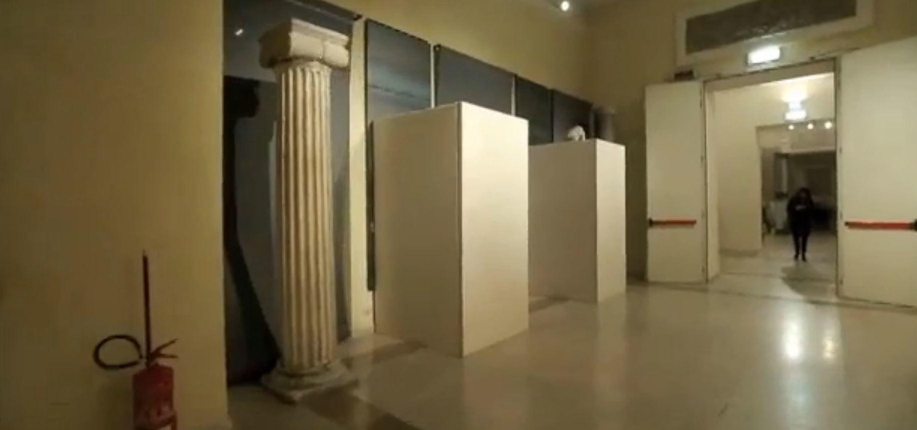 Quand Rohani est au musée de Rome, les statues de nus sont bien cachées